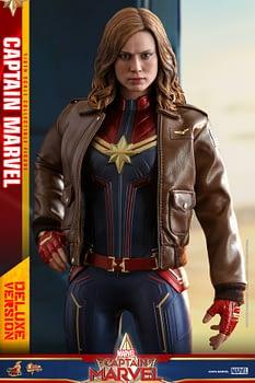Hot Toys Captain Marvel 19