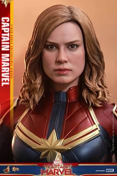 Hot Toys Captain Marvel 5