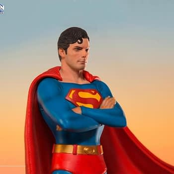 Iron Studios Superman Statue 6