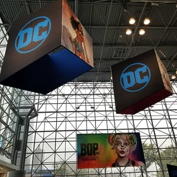 First Kook at DC Comics' Not-Quite-A-Booth at New York Comi Con #NYCC