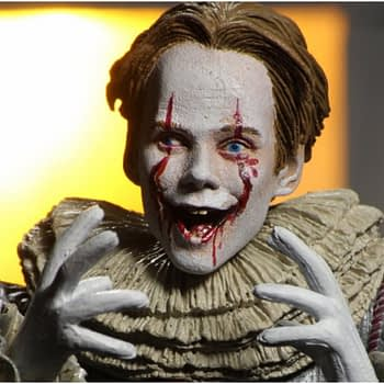 "New NECA ""IT: Chapter Two"" Pennywise Will Have You Float Too"