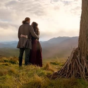 """""""Outlander"""" Fans Receive Holiday Gift from STARZ: Season 5 Opening Scene [VIDEO]"""