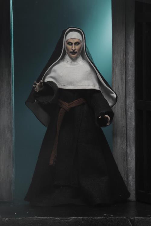 The Nun Valak Figure by NECA 5