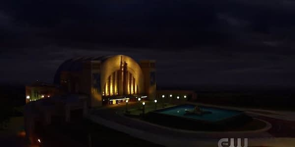 hall-of-justice-night-214350-640x320