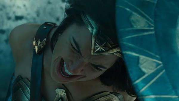 wonder-woman-battle-line-1