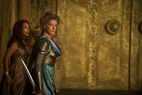 Thor The Dark World Rene Russo & Natalie Portman