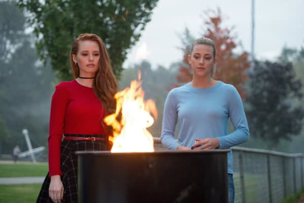 """Riverdale -- """"Chapter Three: Body Double"""" -- Image Number: RVD103b_0086.jpg -- Pictured (L-R): Madelaine Petsch as Cheryl Blossom and Lili Reinhart as Betty Cooper -- Photo: Diyah Pera/The CW -- © 2017 The CW Network. All Rights Reserved"""