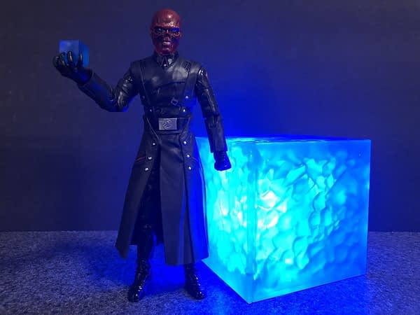 Marvel Legends SDCC Exclusive Red Skull and Tesseract 8