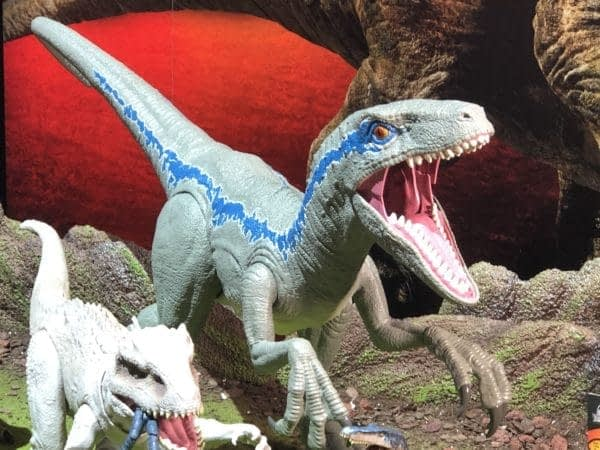 Toy Fair Mattel Collassal Blue Jurassic World Figure
