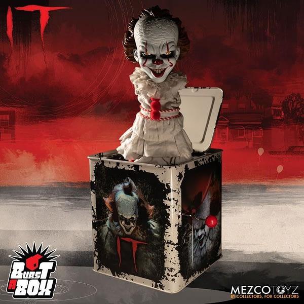 Mezco Toyz Pennywise Burst a Box 1