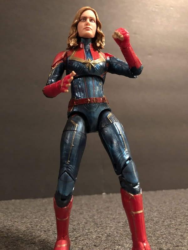 Marvel Legends Captain Marvel Figure 7