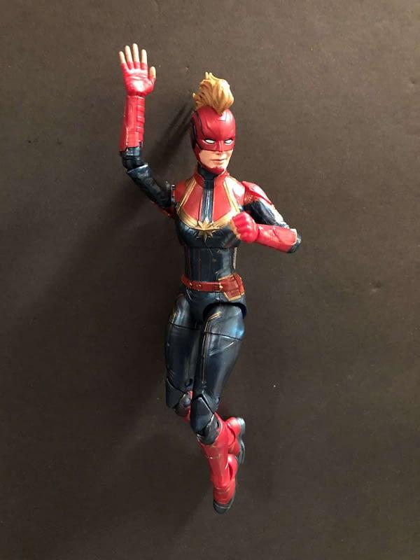 Marvel Legends Captain Marvel Figure 9