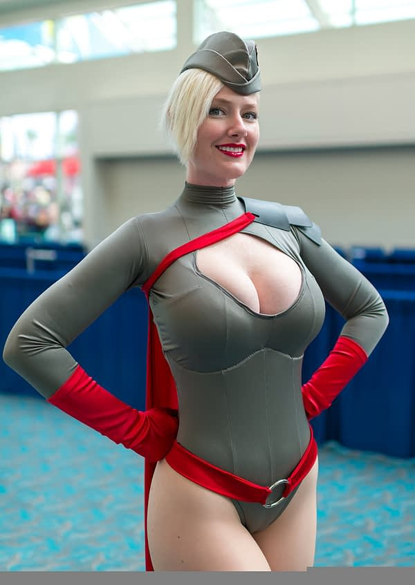 Cosplay Super Heroine