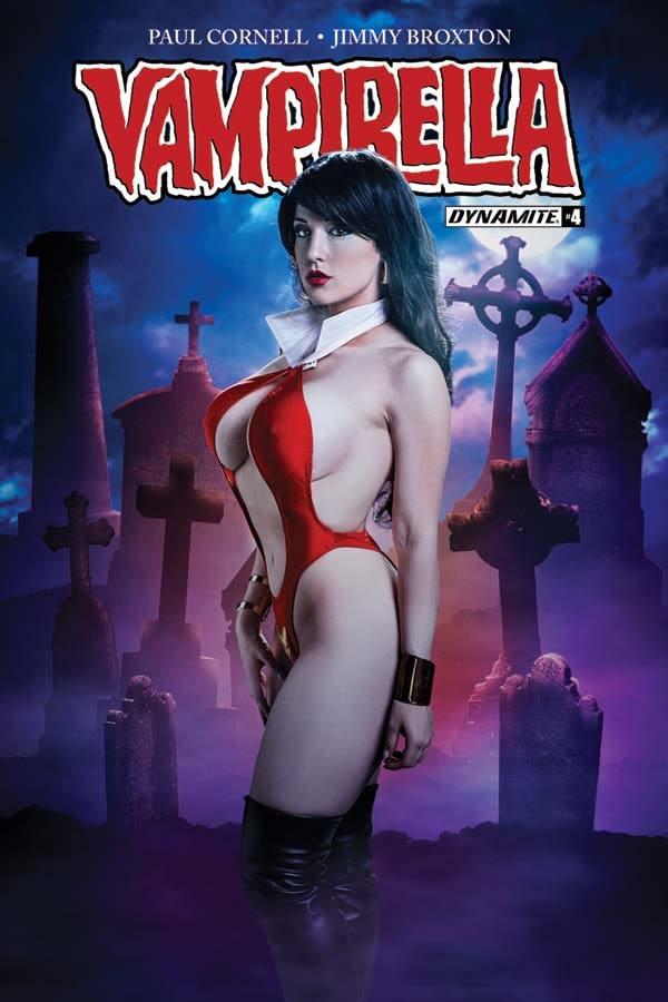 vampi2017-04-cov-c-cosplay