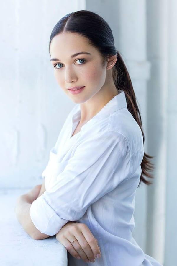 Hannah James as Geneva Dunsany
