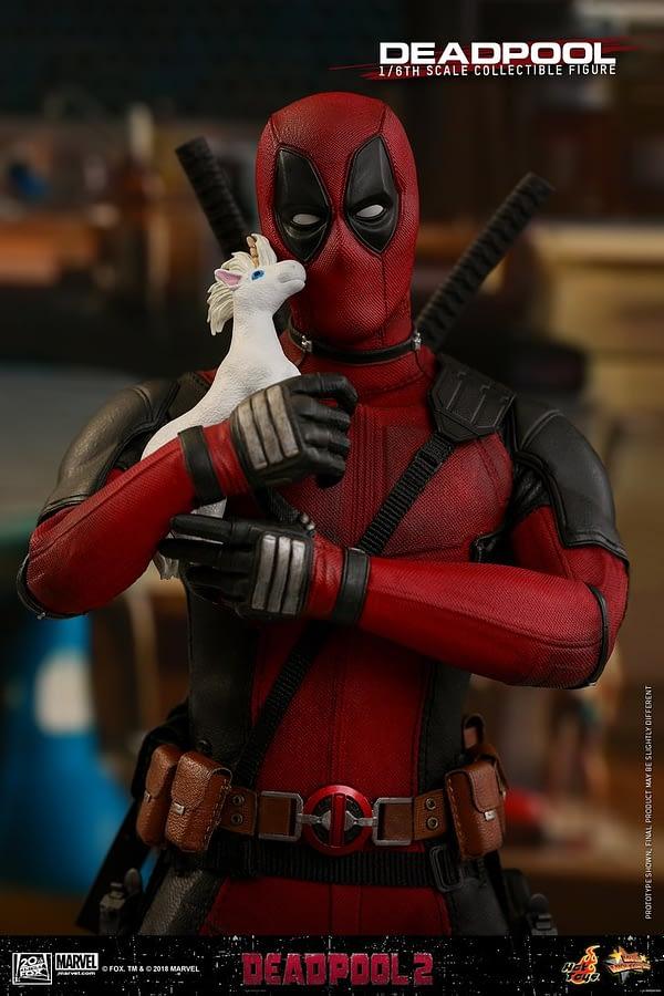 Hot Toys Deadpool 2 Deadpool 5