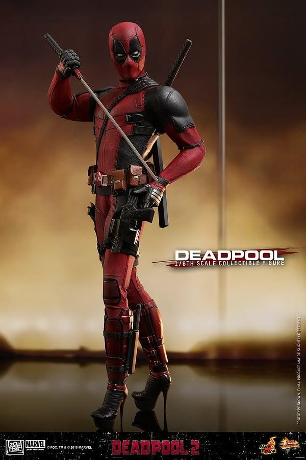 Hot Toys Deadpool 2 Deadpool 6