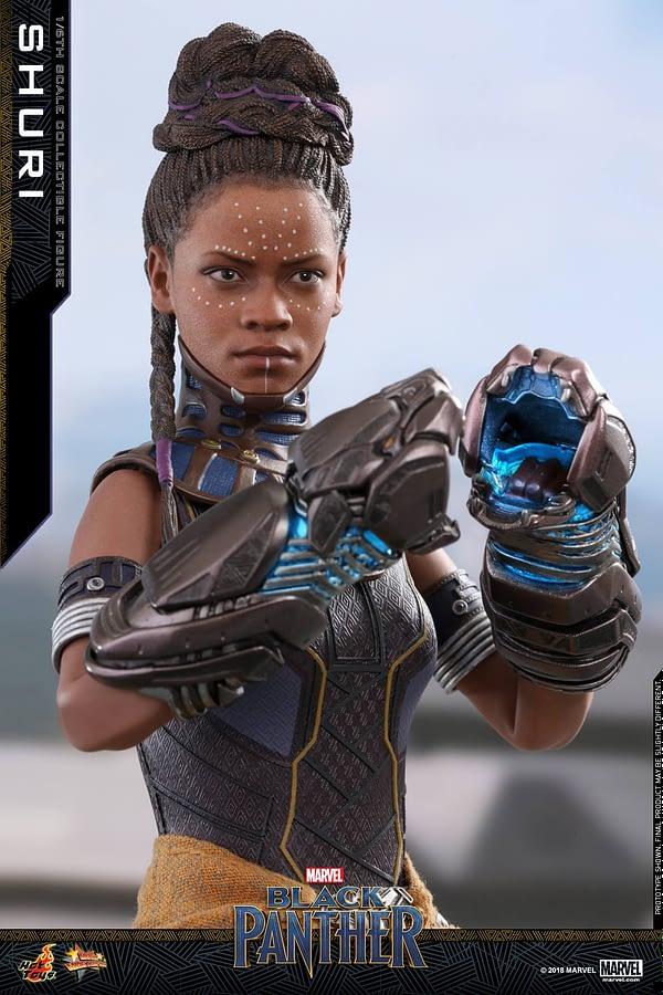 Black Panther Shuri Hot Toys 7