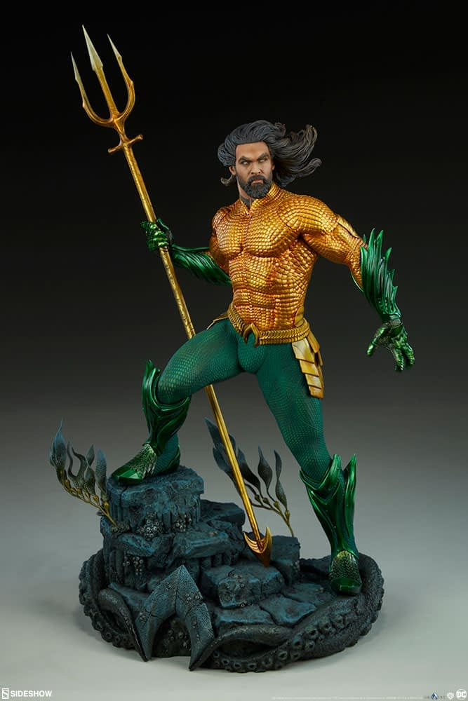 Sideshow Collectibles Premium Format Figure Aquaman 6