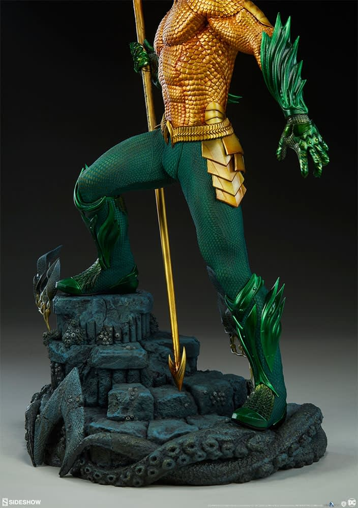 Sideshow Collectibles Premium Format Figure Aquaman 10