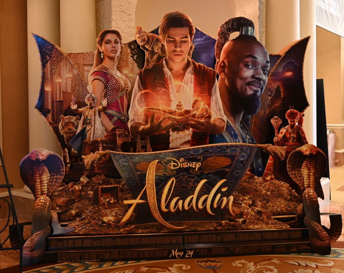 [CinemaCon 2019] New Aladdin Standees Shows Off the Entire Cast