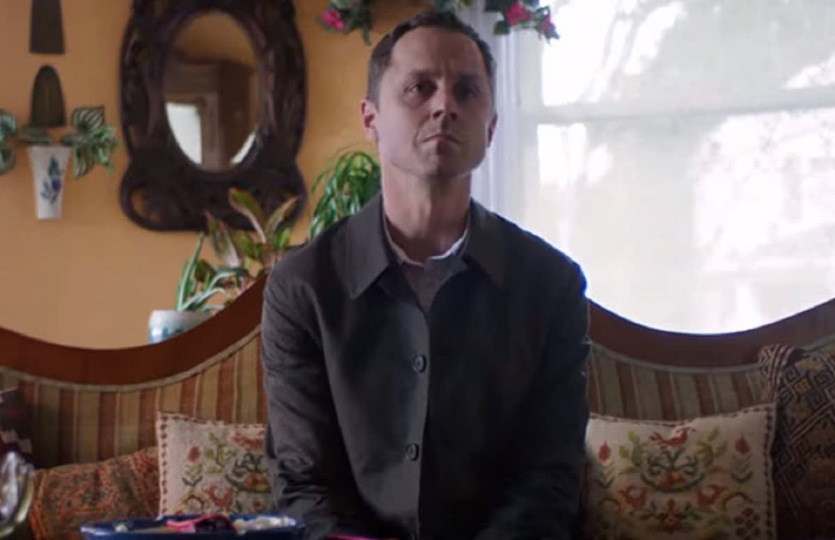 Giovanni Ribisi Naked sneaky pete' tip-toes right off amazon schedule into